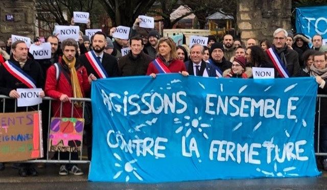 Tous Mobilisés contre les fermetures de classes à Châtillon