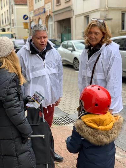 nombreuses rencontres rue de la mairie